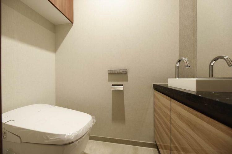 トイレ Rest Room