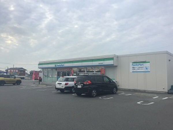 コンビニ 【ファミリーマート宇部沖宇部店】徒歩11分(約810m)