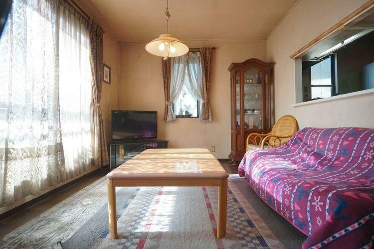 居間・リビング 2階リビングならではの開放的な空間です。広すぎてエアコンの効率を考えないといけないかも…