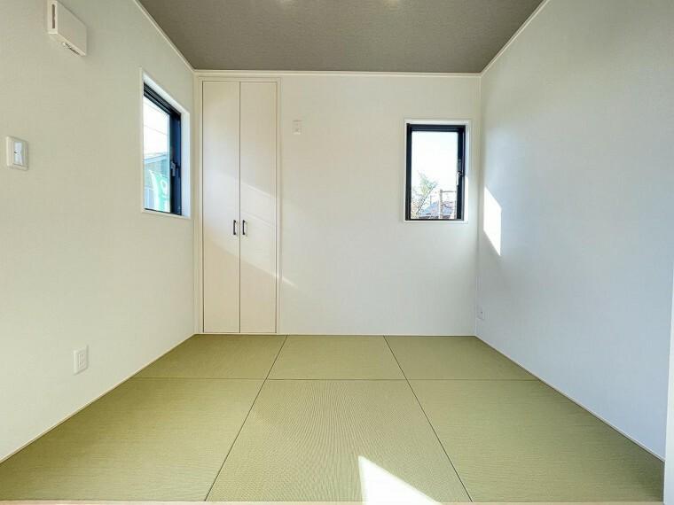 各お部屋には収納スペースもしっかり確保しております。