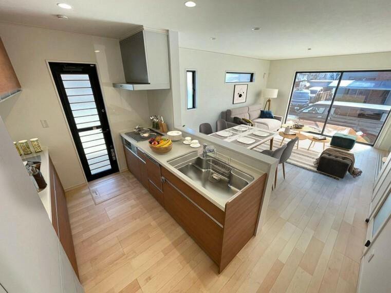 キッチン (キッチン)ひろびろシンクにオールインワン浄水栓!汚れが簡単に落とせて毎日のお手入れが快適になるキッチン!/家具・インテリアはイメージです。