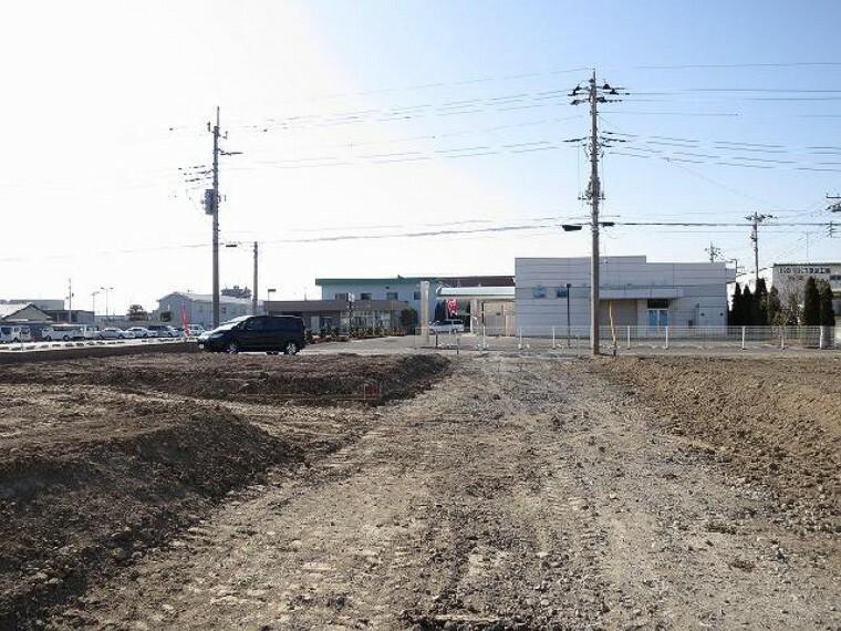 現況写真 約5mの協定道路・・・A号地の南側には約5mの協定道路が約36m続くため、南側の解放感も得やすくなっています。