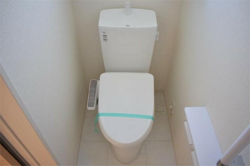 トイレ 各フロア1カ所ずつウォシュレット付きトイレを設置しており、忙しい朝の混雑も解消
