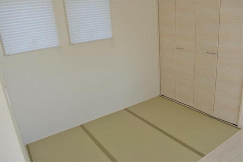 お部屋が一体になる便利なタタミコーナー!ちょっと横になったり、ごろ寝したりできるスペースです