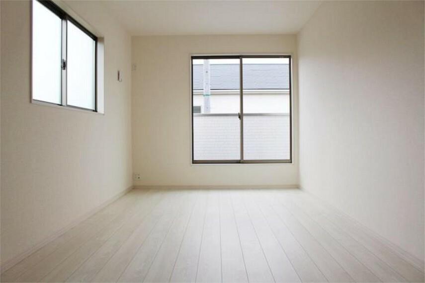 専用部・室内写真 子ども部屋や書斎にピッタリな6.7帖の居室【写真は同仕様】
