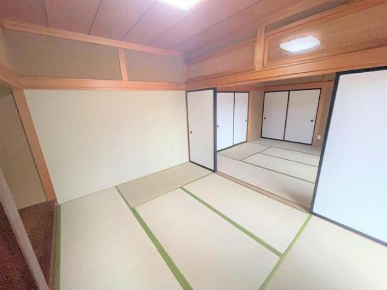 【リフォーム済】1階南西側和室6帖です。畳の表替えと障子・ふすまの張替を行いました。既存の建具や床の間を生かして、和な雰囲気の一室に仕上がりました。