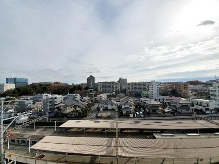 現況写真 メインバルコニーからの眺望は前面に棟がなく開放感があります!