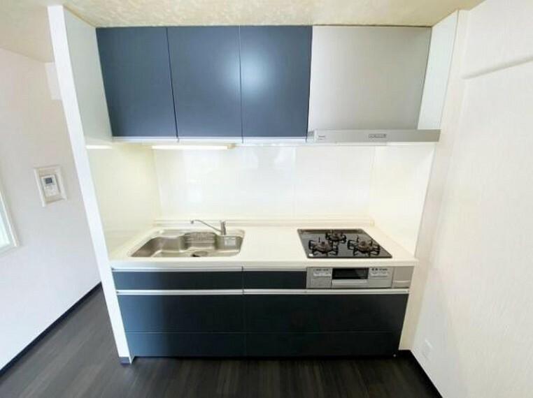 キッチン 使い勝手の良いシステムキッチンでお料理がはかどります