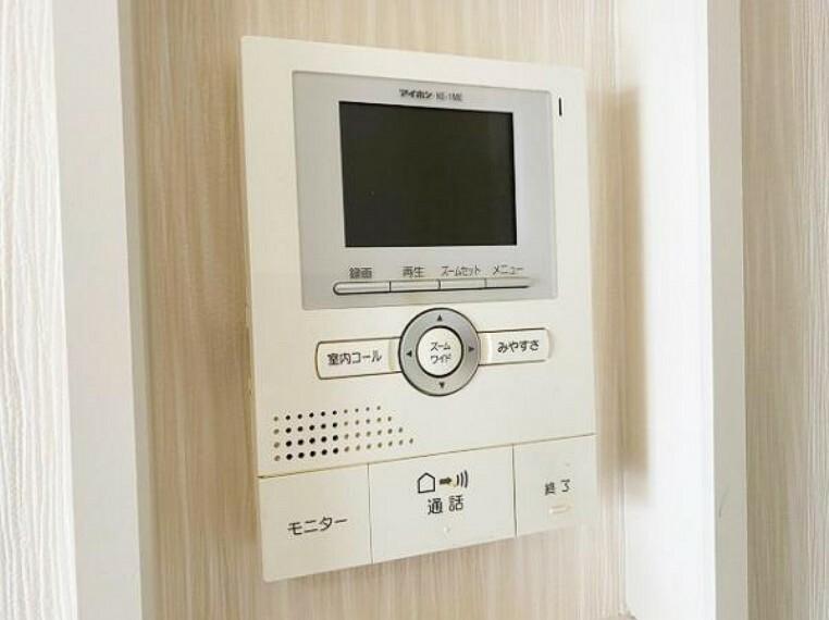 TVモニター付きインターフォン モニター付きインターホンなので防犯面もバッチリ
