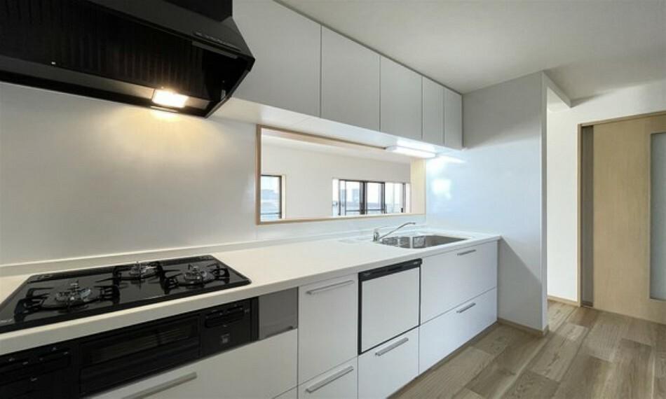 キッチン 使いやすいキッチン。収納スペースも豊富。