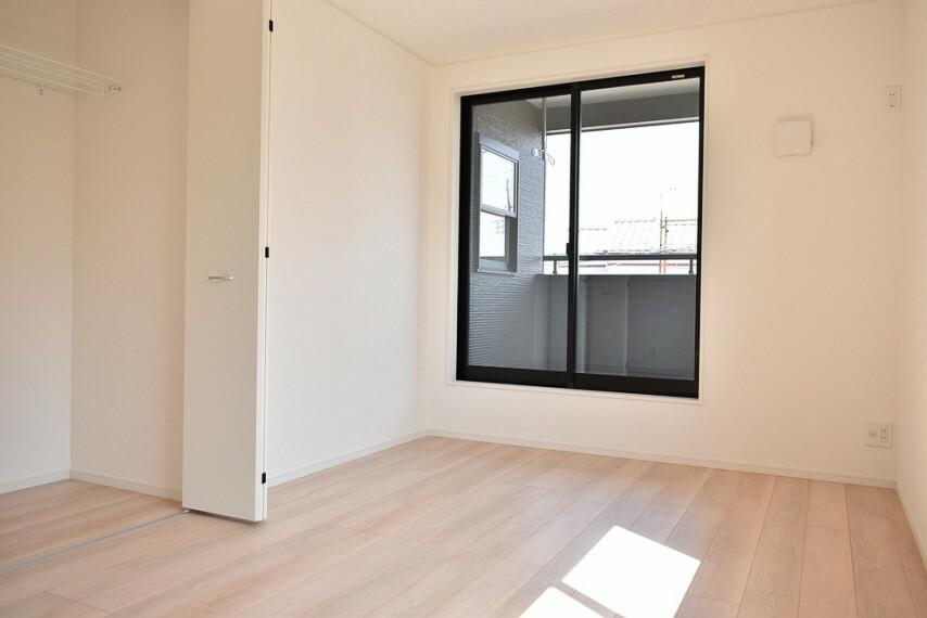 洋室 洋室8帖 主寝室にも最適な広さのお部屋です