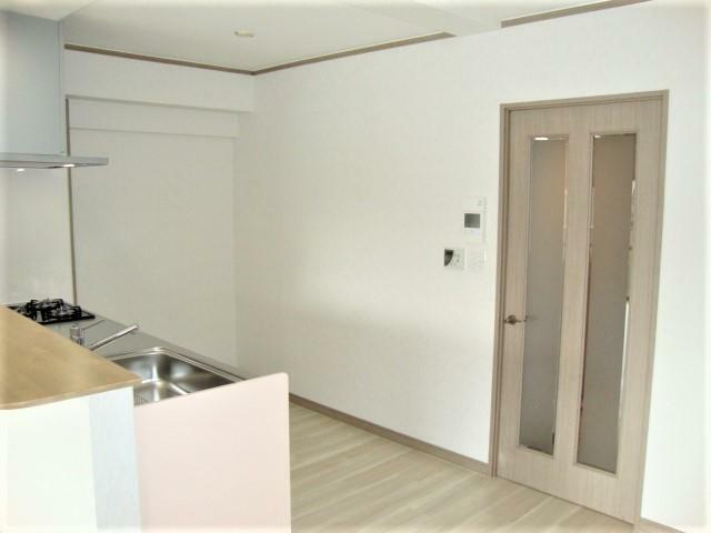 キッチン キッチン後ろのスペースも十分あります!