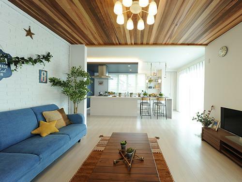 参考プラン完成予想図 【当社施工例】 大人可愛いカリフォルニアデザインに仕上がった一邸。ユウハウジングは女性設計士と創る、夢の注文住宅です。ご家族の理想をたくさんお聞かせくださいね。