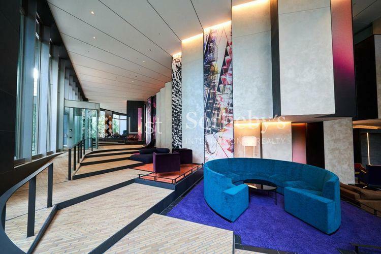 Creative Step Lounge  1階エントランスロビーから続くスパイラル状の階段を上がると、次々と現れる、世界観が異なるラウンジです。