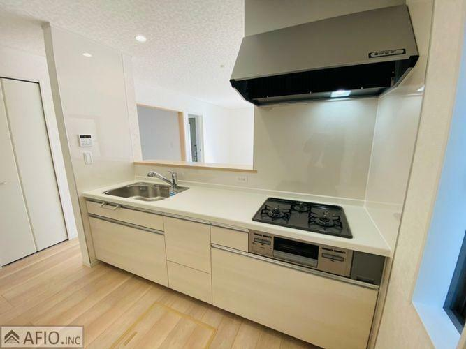 キッチン 明るく、広々したキッチンで毎日のお料理も楽しくしてくれますね。