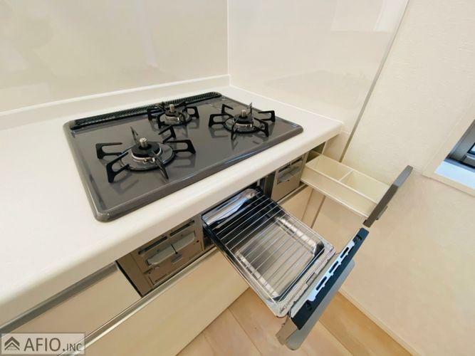 キッチン お料理しやすい3口コンロ。