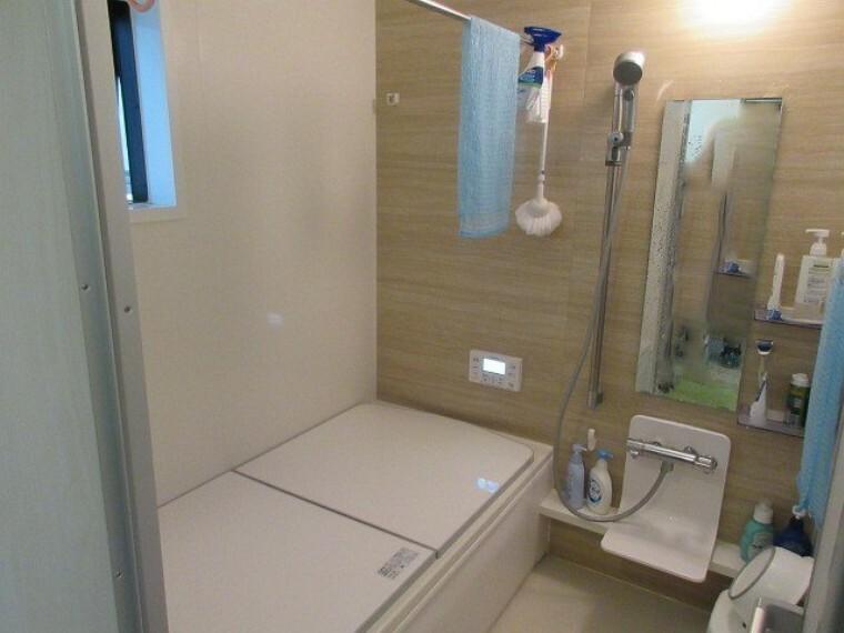 浴室 優しい雰囲気のバスルーム 心も身体も癒されます