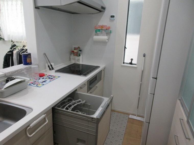 環境とママの手に優しい食器洗浄乾燥機