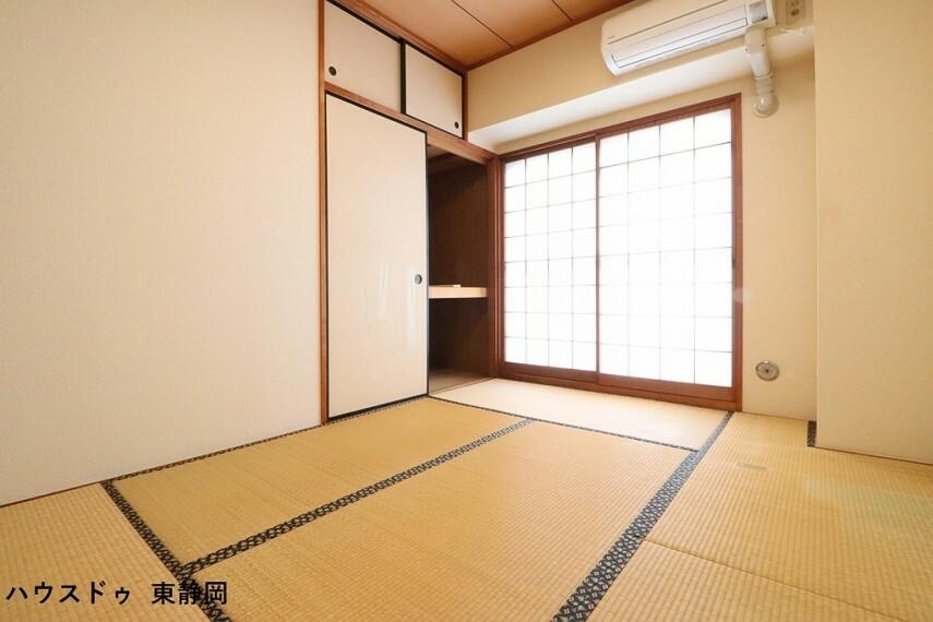 和室 6帖和室。和室は客間、お子様の遊び場、お昼寝場所と多目的にお使い頂けます。
