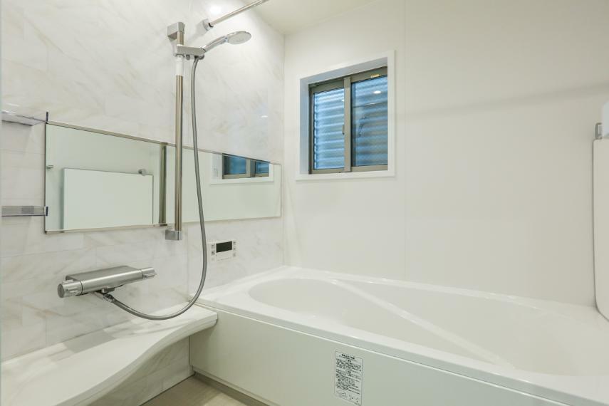 浴室 ゆったりとした時間を過ごせるくつろぎのバスルーム。(2号棟)