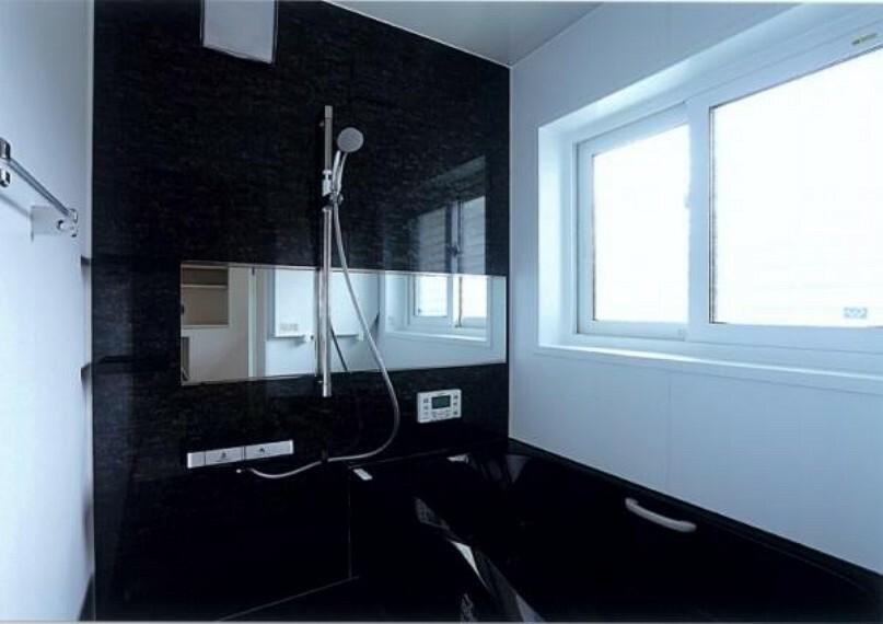 浴室 1日の疲れをしっかりと癒すゆっくりとくつろげるユニットバス。