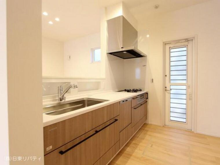 キッチン キッチンには食洗機や浄水器を完備。