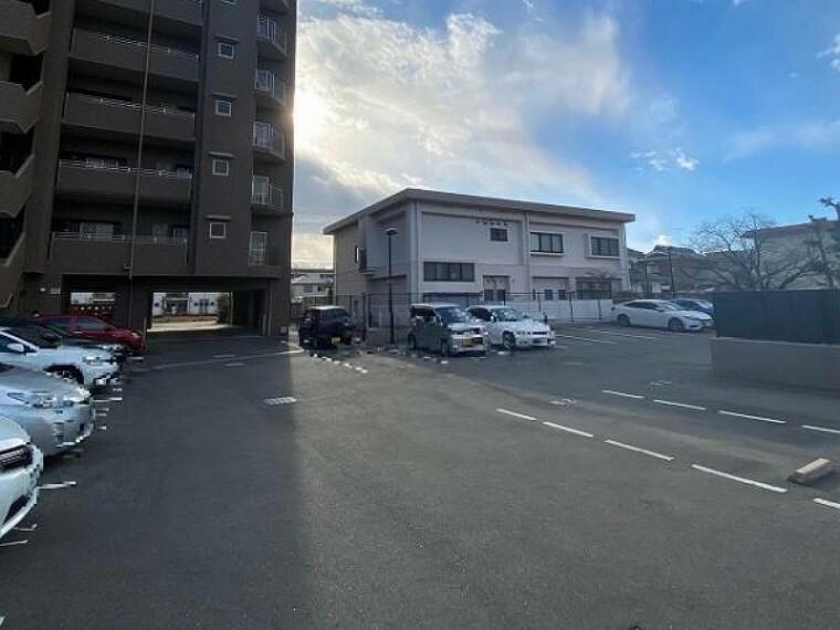駐車場 ・・・住宅ローン相談会開催中です・・・