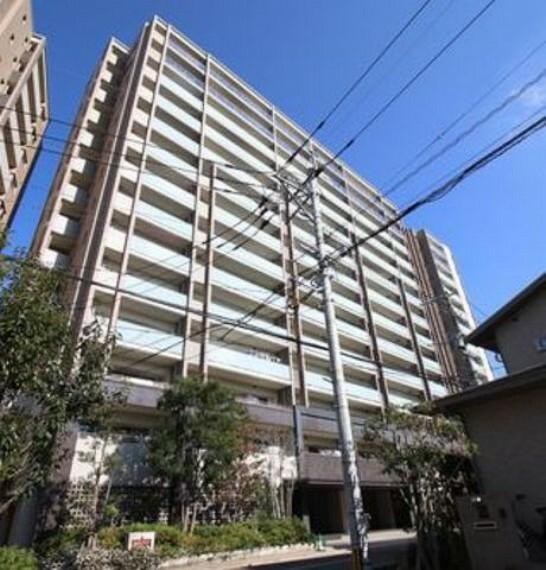 外観写真 2013年6月築の3SLDKマンションです^^西鉄天神大牟田線「大橋駅」徒歩9分です。ペット相談OKです^^