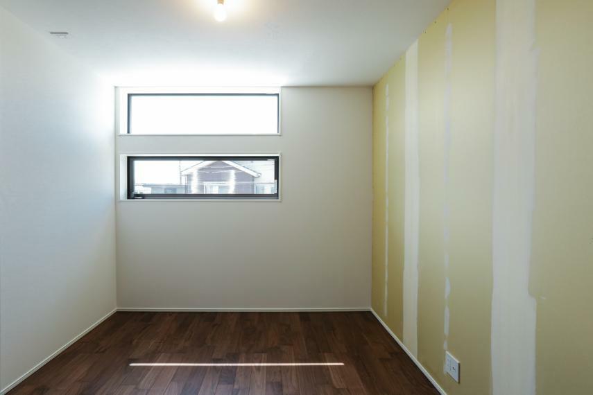 洋室 子ども部屋にぴったりの明るい洋室。お好きなクロスをお選び頂けます。(クロス未施工)(1号棟)