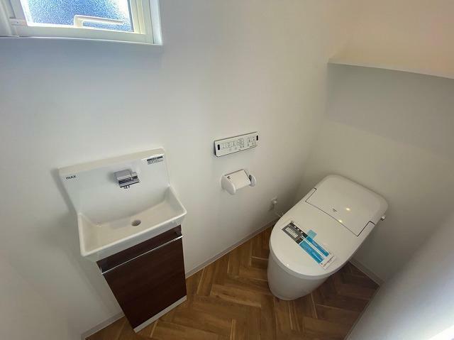 トイレ 1階トイレ 独立型手洗い器