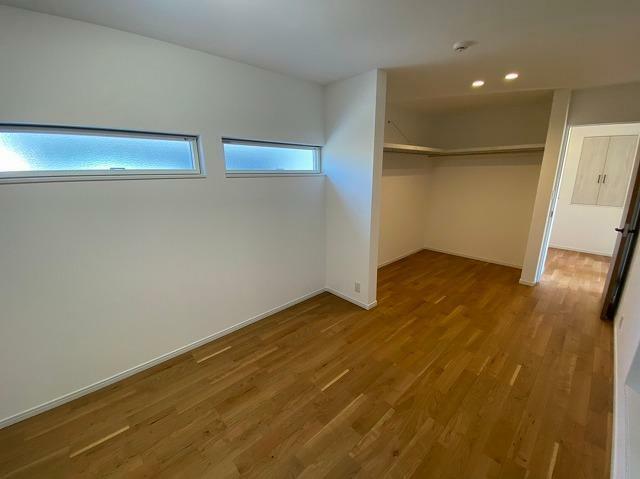洋室 2階 8.6畳洋室