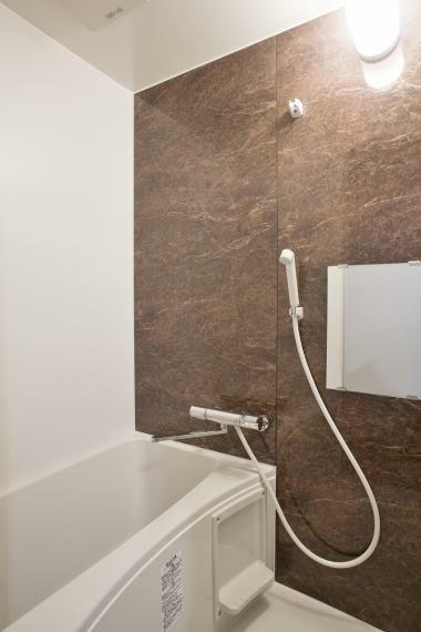 浴室 古い建物の時はお風呂が無かったのですが、新設しました!