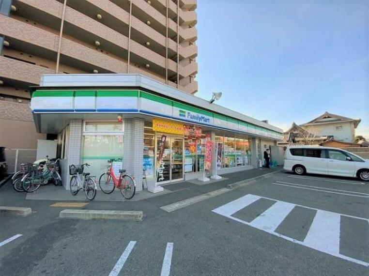 コンビニ ファミリーマート 姫路壱丁町店