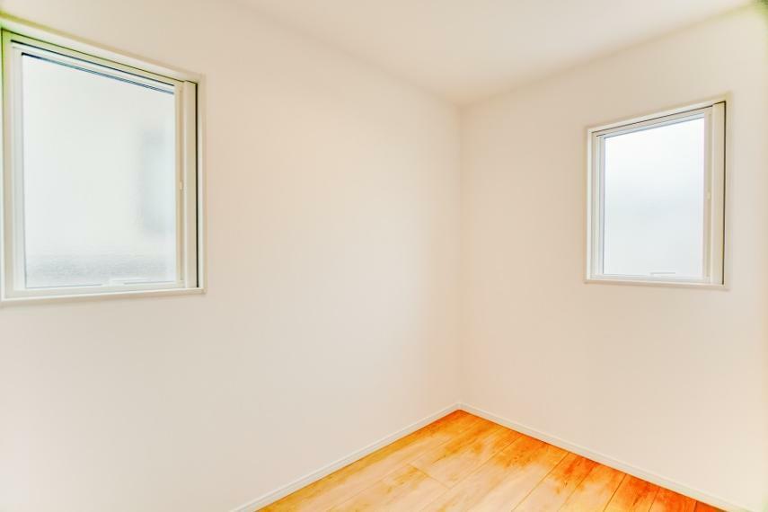 洋室 NO.3-7 2階納戸
