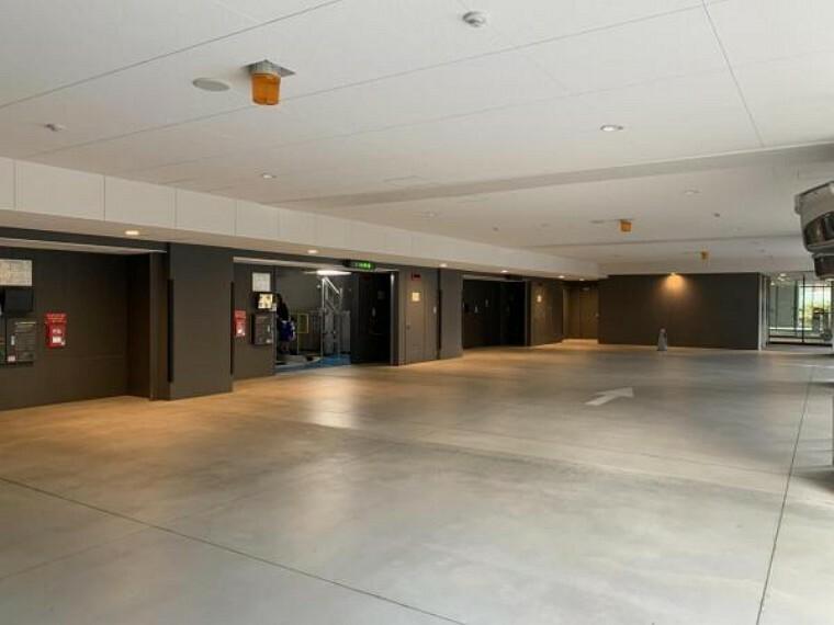 敷地内駐車場 タワー駐車場のスペースも広々!
