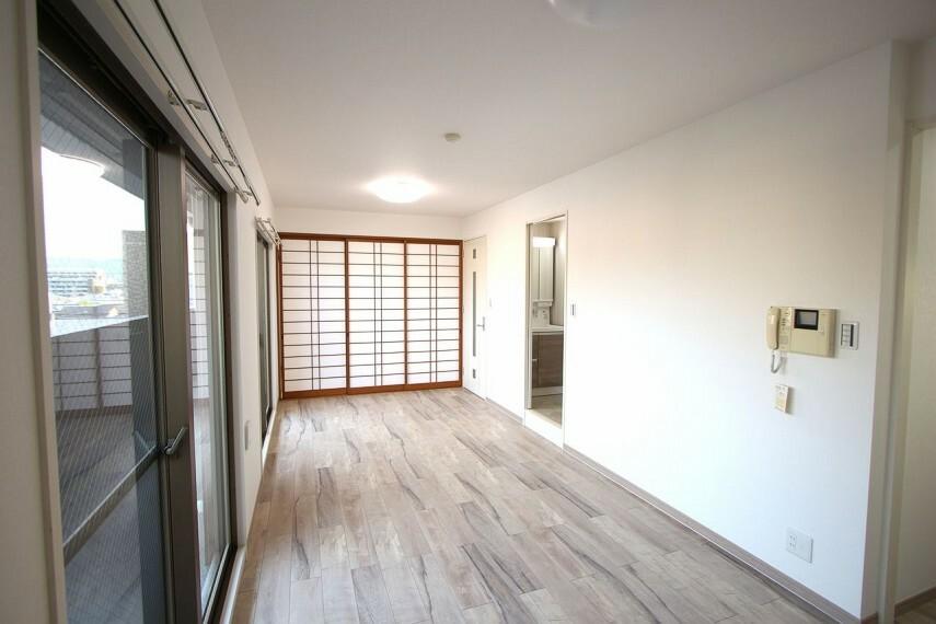 居間・リビング 和室の建具も新調されております。新しく生まれ変わった室内を是非ご覧下さい!