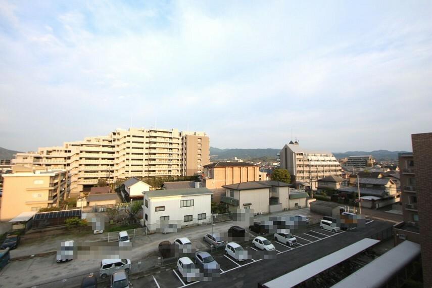 眺望 最上階からの景色を是非お楽しみ下さい。視界をさえぎる建物は無く開放感あふれる風景が広がります。