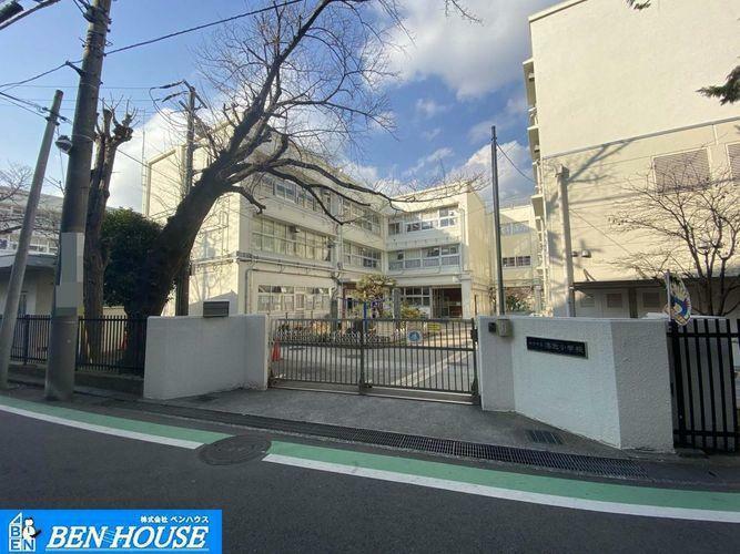 小学校 横浜市立港北小学校 徒歩6分。