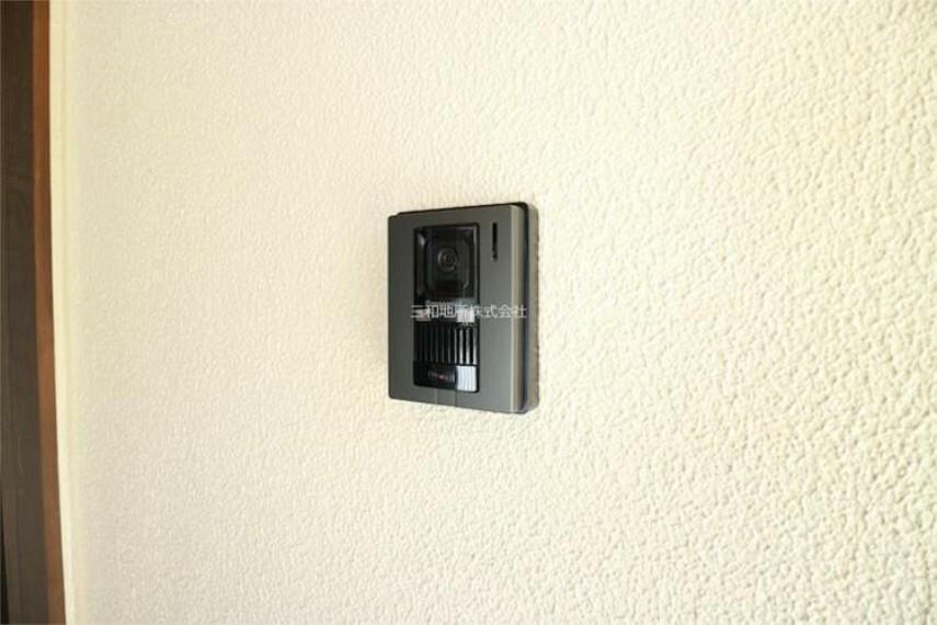 専用部・室内写真 防犯にもなるインターホン付き。