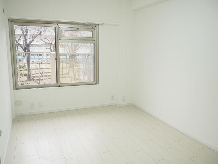 洋室 洋室 2階西側の洋室です