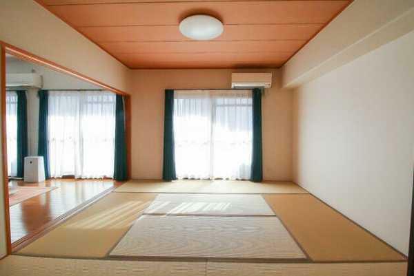 和室 奥側和室6畳から南側和室8畳を望む!