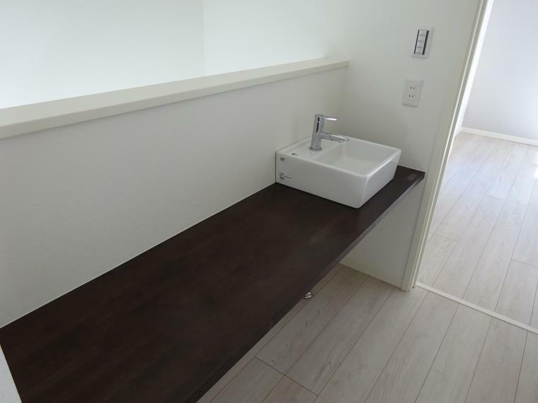 洗面化粧台 洗面が2カ所あり便利です