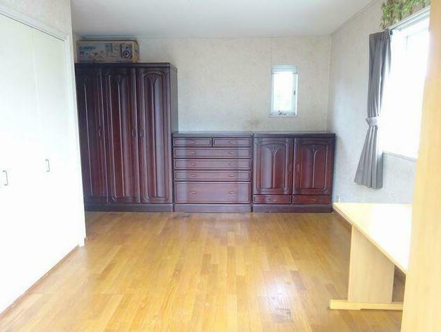 子供部屋 2階の8.9帖ひろびろとした洋室。