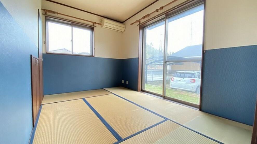 居間・リビング 玄関隣には6帖の和室をご用意。来客時には客間としてお使いいただけます。
