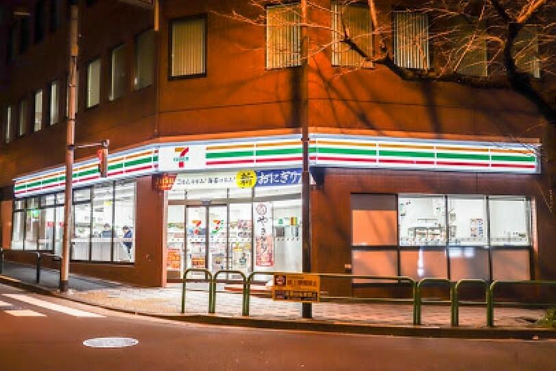 コンビニ 【コンビニエンスストア】セブン-イレブン 九段南大妻通り店まで157m