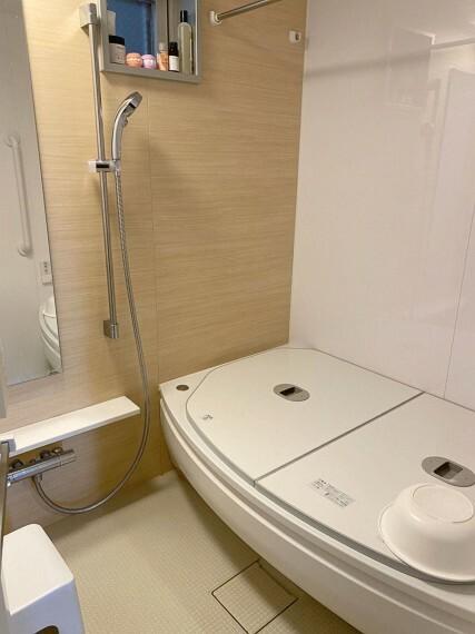 浴室 窓付きで換気も出来るユニットバス!