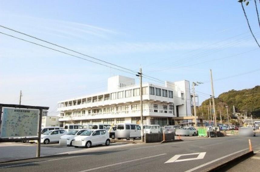 役所 【市役所・区役所】香南市役所まで1027m