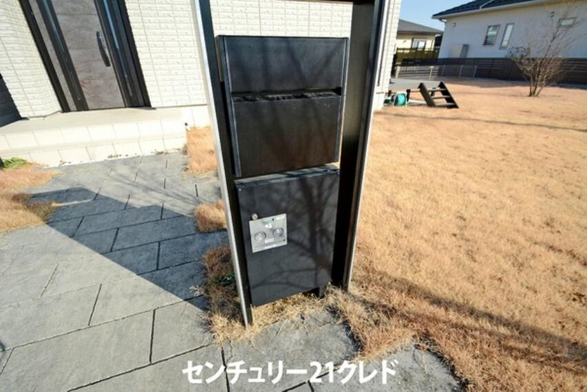玄関 玄関ポストと、宅配ボックス付きです!