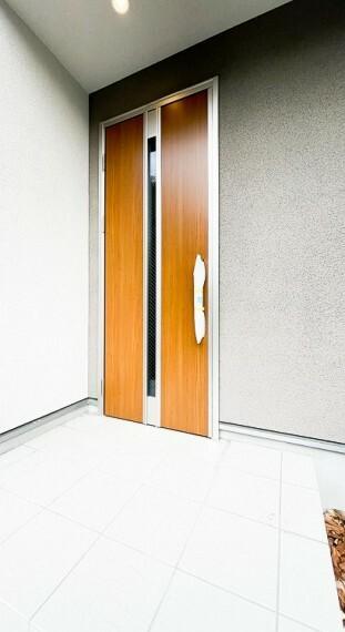 玄関 デザイン性の高いエントランスは、住む方のプライドを満たすクオリティ。
