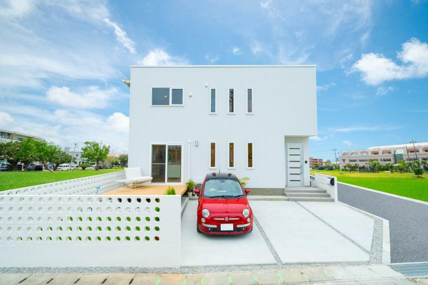 現況外観写真 コスパ最強の「箱の家」ユニテハウスが沖縄市美里に誕生!!